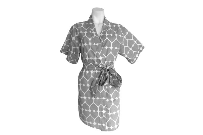 Grey heart print robe by Tesi on hellopretty.co.za