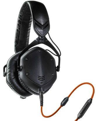 Headphones with good bass. To know more click here http://headphones100.com/best-bass-headphones/