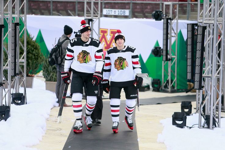 Artem Anisimov and Patrick Kane (Height difference!)