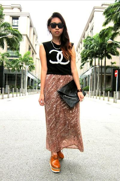 Platform Oxford shoes, Chanel t-shirt, sheer skirt.