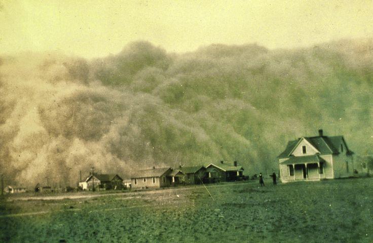 PURIFICACION DE AIRE AIRLIFE MUNDIAL te comenta El polvo y el crecimiento de moho en un conducto atrapará la humedad del aire y causará el crecimiento de moho adicional. Un conducto que necesita limpieza puede hacer que la rejilla a la que está unido junte humedad y gotee mientras que el aire acondicionado está funcionando. http://airlifeservice.com/