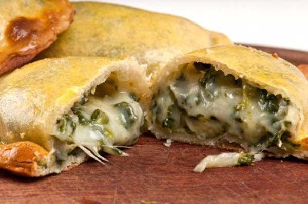 Empanadillas de espinacas, pasas y piñones » Divina CocinaRecetas fáciles, cocina andaluza y del mundo. » Divina Cocina