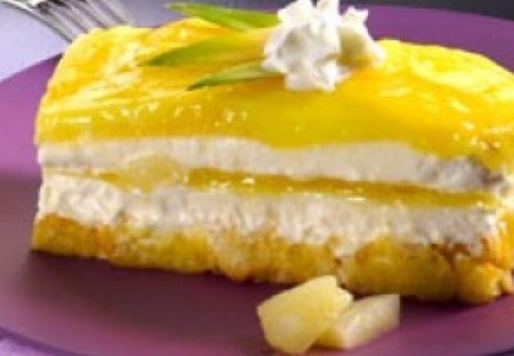 """Variante fresca e sfiziosa di un dessert tradizionale: prepariamo il """"Tiramisù all'ananas"""""""