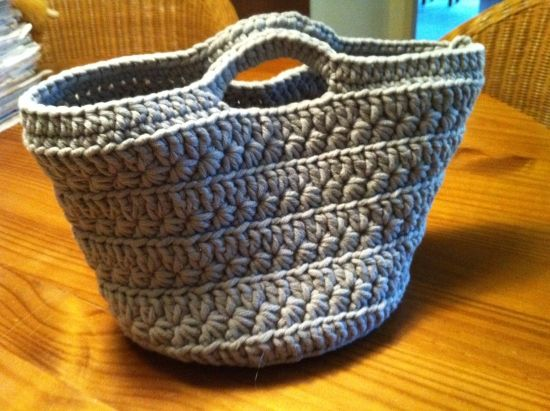 Crochet bag.  I think I can figure this out without a pattern