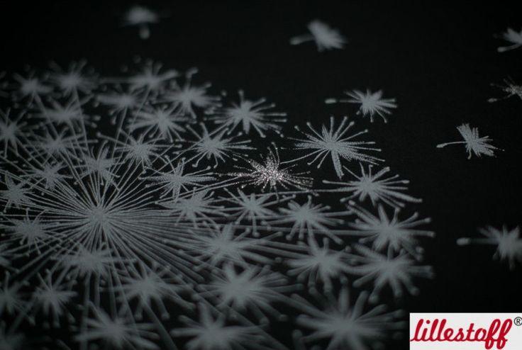 Stoff Blumen - Durchgepustet, Modal, Rapport klein, Lillestoff  - ein Designerstück von TantePoppins bei DaWanda