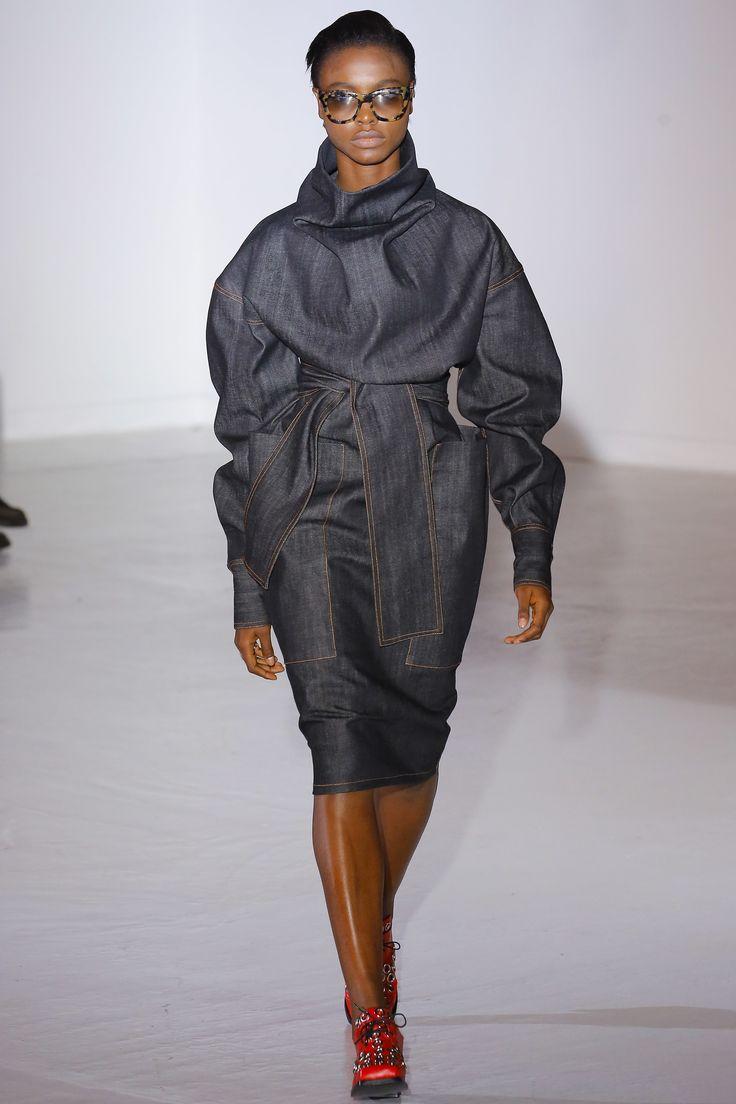 Wanda Nylon Fall 2017 Ready-to-Wear Fashion Show