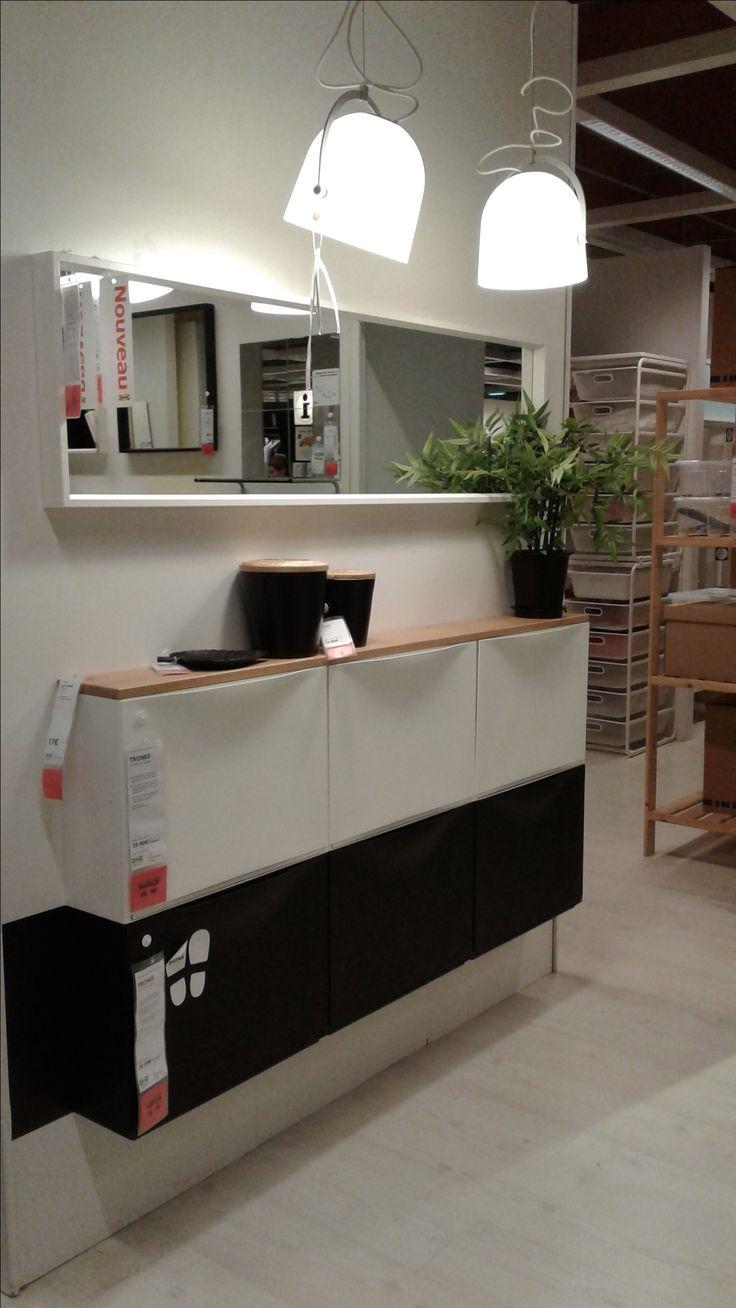 IKEA – TRONES (51x39cm) vendu par 3 29,90€, Tablette brun clair EKBY HEMNES (79x19cm) 17€ , Miroir NISSEDAL (40x150cm) 50€