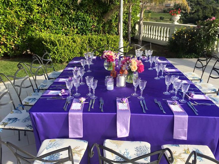 wedding table setting, purple tables cover, flower centerpiece, wedding decors, wedding outdoor, wedding day, Cilento coast, Sposa Mediterranea, Olga studio