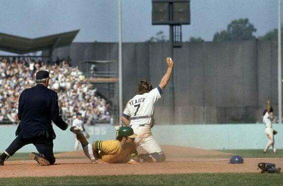 Sal Bando gunned down at the plate, 1974 World Series Game 1 at Dodger Stadium.