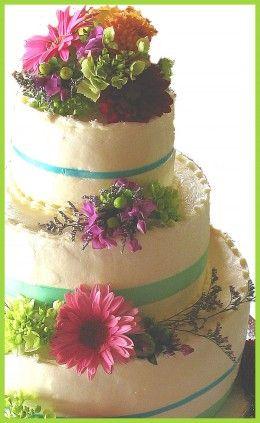 Fresh Flowers On Your Wedding Cake Tips For Diy