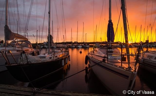 Seascape at sunset @ Vaasa. www.visitvaasa.fi Photographer Ann-Britt Pada