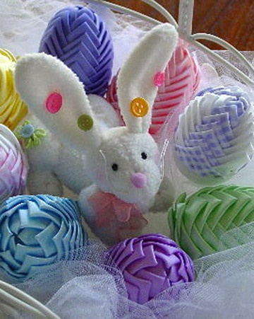 """The basic """"how to"""" can be found on these two links. To make the eggs, place the ribbon rows closer together, and pin fabric on the end to cover bottom of egg. These eggs are NOT to be placed where child can touch them!! whipup.net/... lacenribbonroses...."""