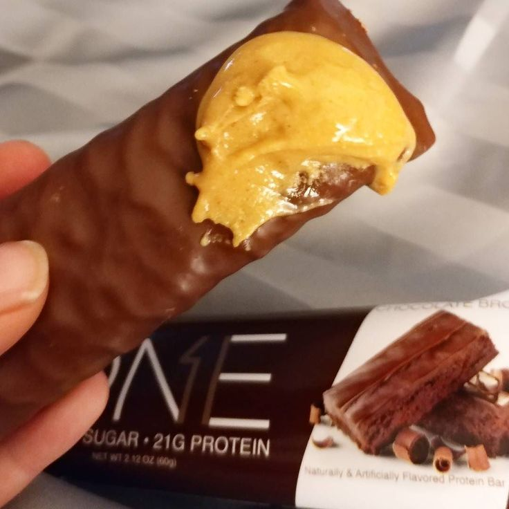 Well. I already had roast pork for dinner but still haven't hit any of my macros so.... A an #ohyeahone bar topped with white chocolate @buffbake it is! . . . . . . . . . . . . . #keto #ketolifestyle #fitness #fitspo #fitfam #gymtime #treadmill #gainz #workout #getStrong #getfit #justdoit #youcandoit #bodybuilding #fitspiration #cardio #ripped #gym #geekabs #crossfit #beachbody #exercise #shredded #abs #sixpacks #beforeandafter #keto #ketosisterhood