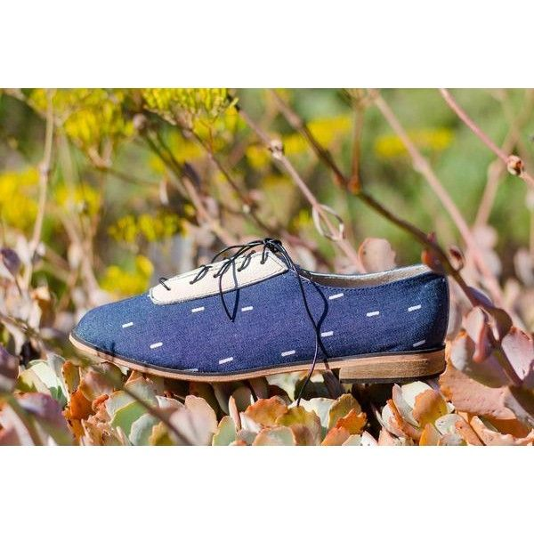 Xo.lan.i   f. South African name meaning: peace Made of hand painted, durable canvas fabric Leather lining  Vegetable tanned leather soles Resin heel  Made by human hands in Cape Town, South Africa  #handpaintedshoes #handpainted #canvas #jean #jeanoxfords #jeanshoes #handmadeshoes #leathershoes #oxfords #womensoxfords #luxuryshoes #luxshoes #fashionshoes