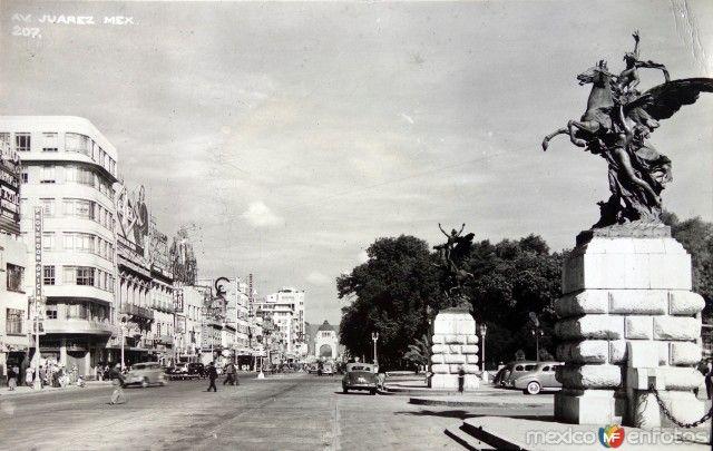 Fotos de Ciudad de México, Distrito Federal, México: La Avenida Juarez Entre 1930-1950