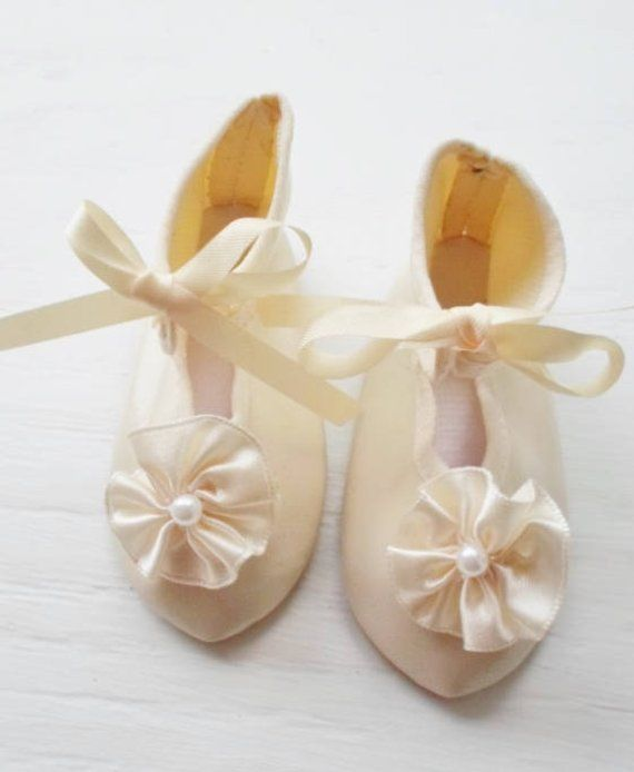 6fbcf8c8a8a6d Vintage Ivory Satin Doll Shoes, Large To Medium Doll Shoes, Bride ...