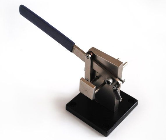"""A wire guillotine cuts straight with no """"pinching""""."""