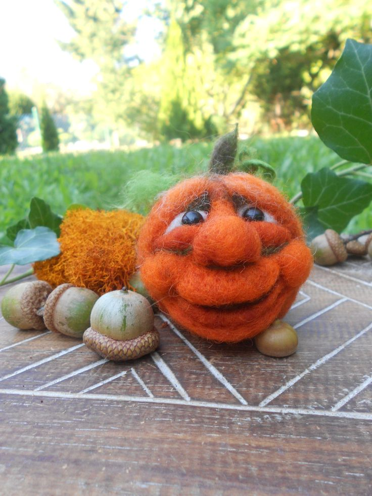 Pumpkin Decoration. Needle Felted Pumpkin. Halloween Pumpkin Face. Autumn, Fall, Thanksgiving Decoration. OOAK pumpkin. Cute Pumpkin Face