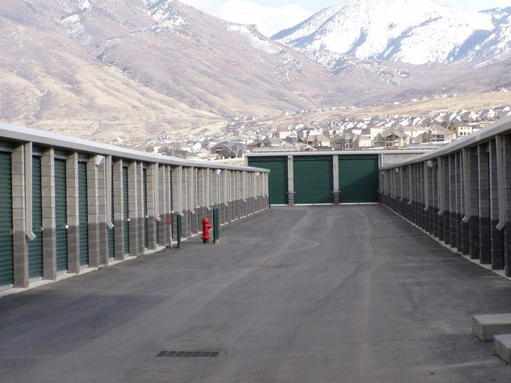 Self storage units Utah  is the cheapest self storage units that you can avail. Located in West Valley City in Utah, we are top of the line security system.