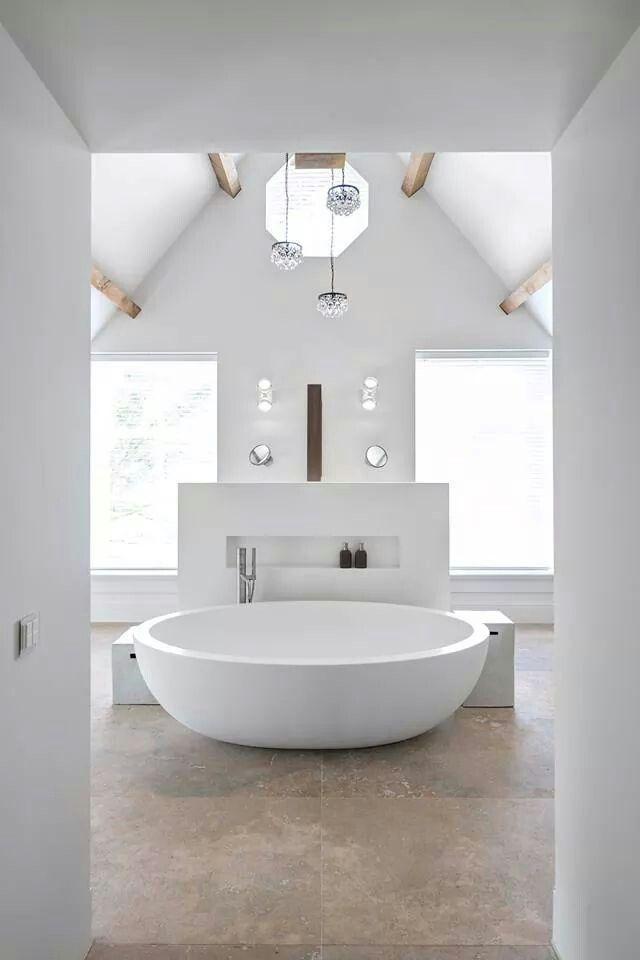I want that tub. barefootstyling.com