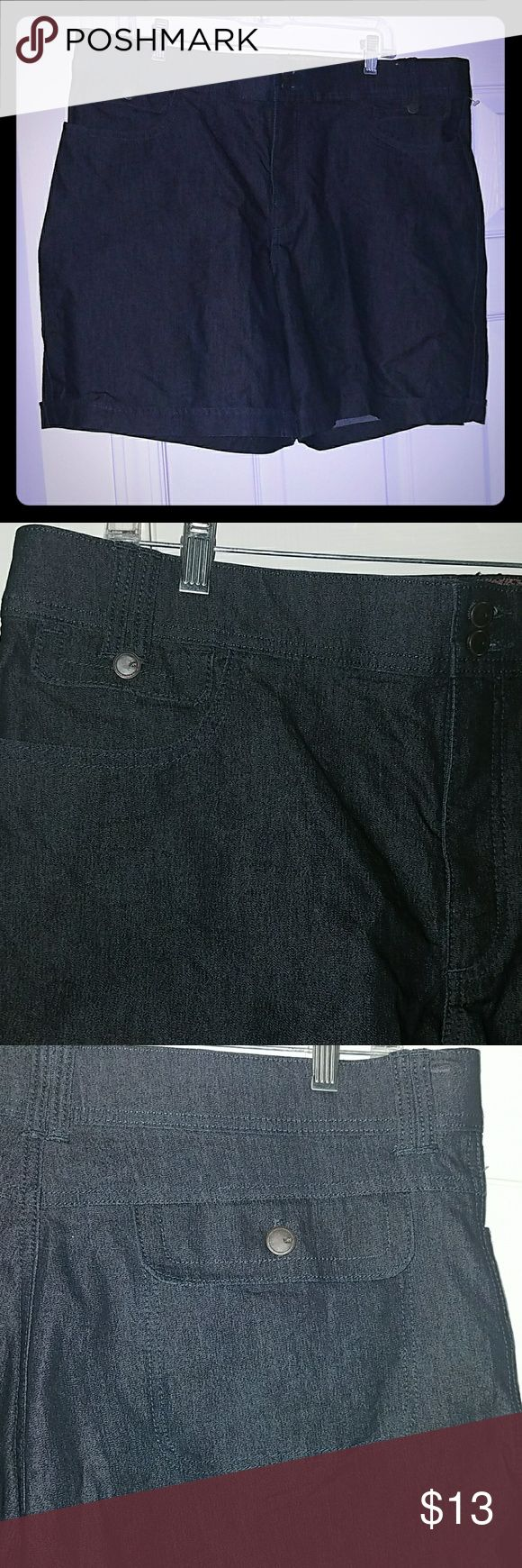 18m walking shorts 18 missy Lee comfort walking shorts. Darker blue wash stretch jean material. In excellent condition! Lee Shorts Jean Shorts