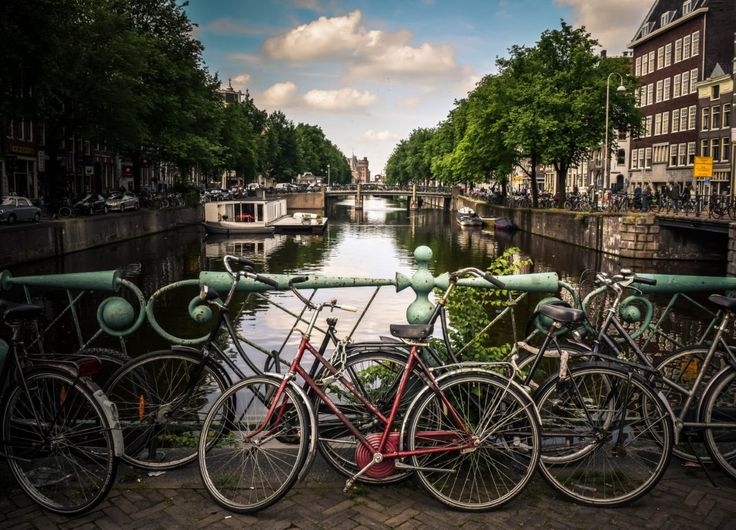 Overview of the 10 best co-working spaces in Amsterdam By Bojana Trajkovska - September 22, 2017