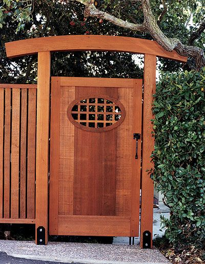 Asian-inspired gate designed by Julian Hodges, Berkeley, California.  From FineHomebuilding Issue 187, page 115