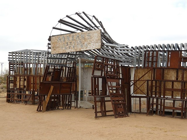 Noah Purifoy's Sculpture Park: Photos, Noah Purifoy, Noah Sculpture, Joshua Trees, Purifoy Sculpture, Sculpture Parks, Parks Joshua