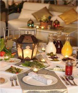 Ramadan Table-sooo nice mashallah. I would love to decorate this Ramadan like this.