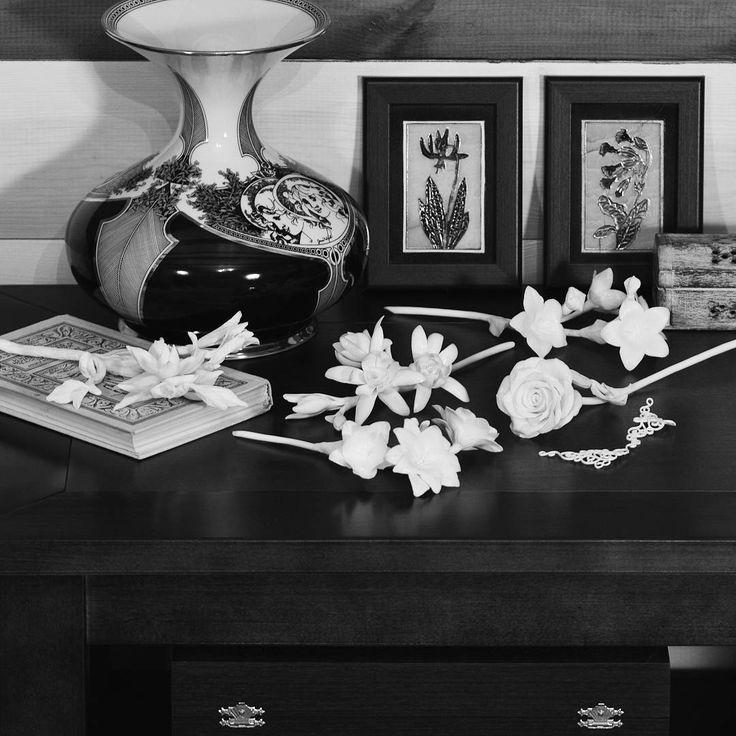 353 отметок «Нравится», 6 комментариев — Porcelain flowers. Ceramics. (@anri.irene_porcelain.art) в Instagram: «Collection of white porcelain flowers. Fine porcelain, handmade, hight firing . #porcelainflowers…»