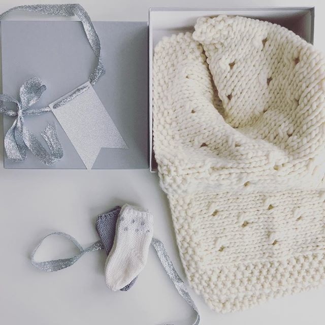 The Sweet Baby Box is now available in stores in New York and on our e-shop   link in Bio  #handmade #handknitted #breakingthewool #mllesophie #newyork #brooklyn #babyknit #knitting #wool #babyshower #gift #alliknitislove  #sweetbabybox #new