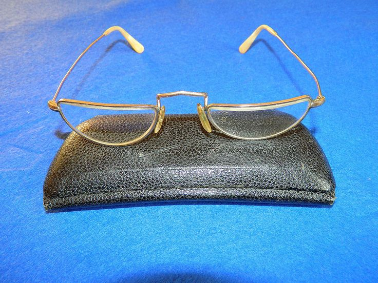 VINTAGE HALF-MOON GOLD FILLED SPECTACLES  http://www.ebay.co.uk/itm/VINTAGE-HALF-MOON-GOLD-FILLED-SPECTACLES-/331791302354?ssPageName=STRK:MESE:IT