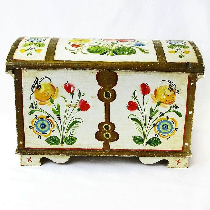 Norwegian Rosemaling Decorated Miniature Kiste / Dome Top Trunk