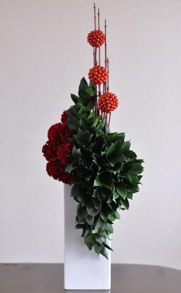 Ruscus, Celosia, Cornus alba, Smilax glabra