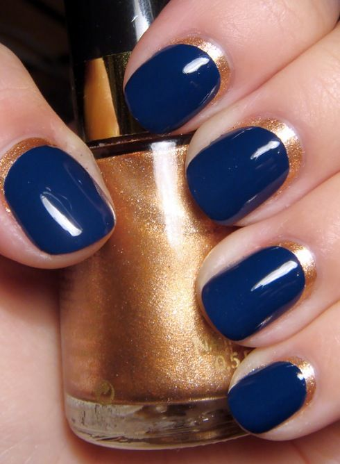 navy blue and metallic gold manicure #nails