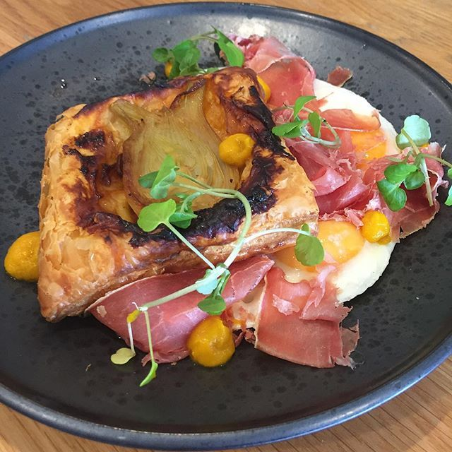 There's been a few menu changes to start the new year! This fennel and nduja tartar tin will melt in your mouth! Served with shaved jamon, fried eggs, spiced carrot ketchup and fennel ash. #brisbanebreakfast #brisbanefoodie #bnecafes #graceville #localcafe #goodnessgraciousbne