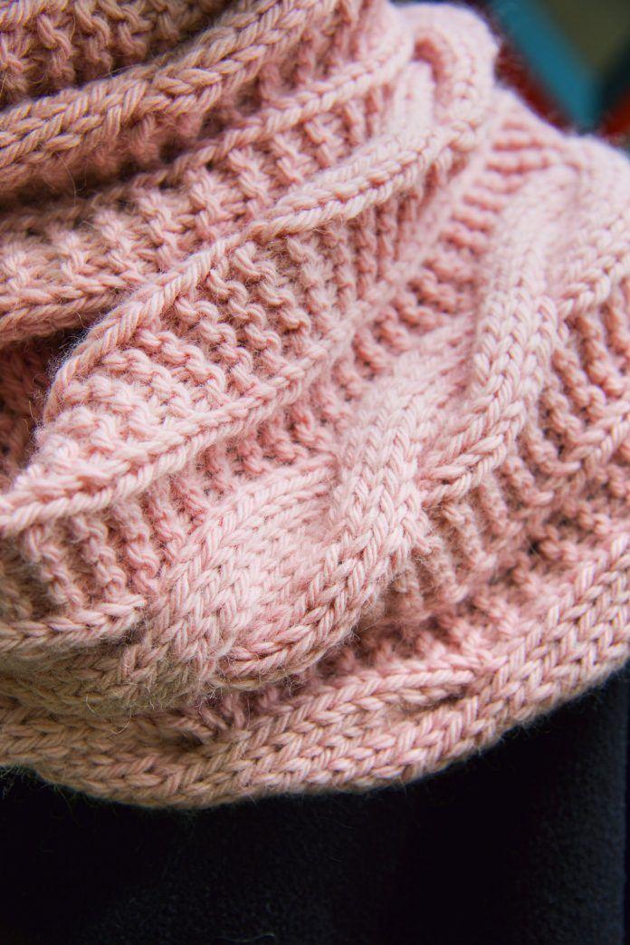 Loop-Schal mit Zopfmuster | Loop | Pinterest | Stricken, Häkeln und ...