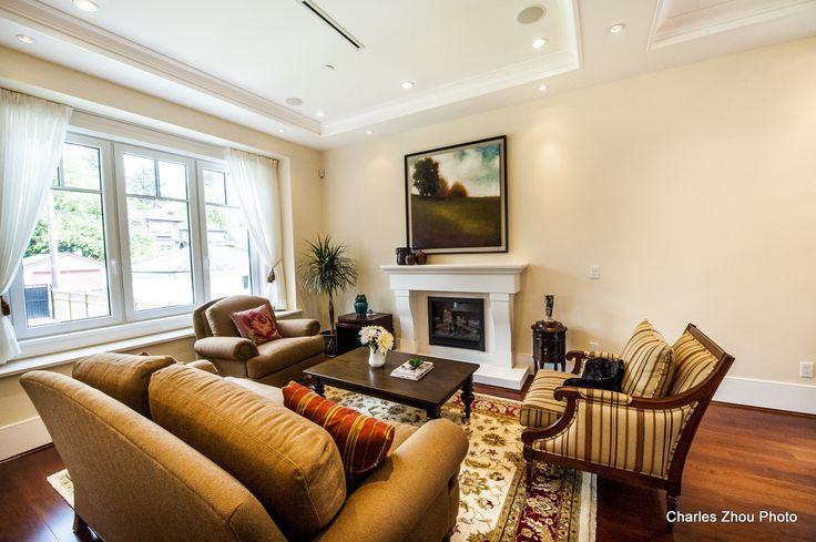 A Warm And Inviting Living Room Posh Interiors Design Portfolio Pinterest Living Rooms And