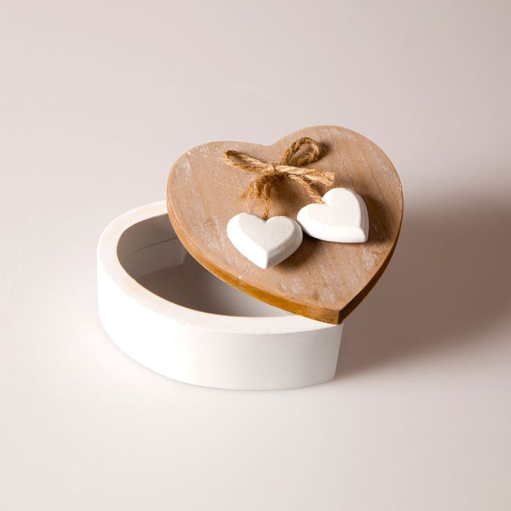Chic heart box 8€. Buy now here http://www.smallthings.gr/product-category/valentines-day-2/