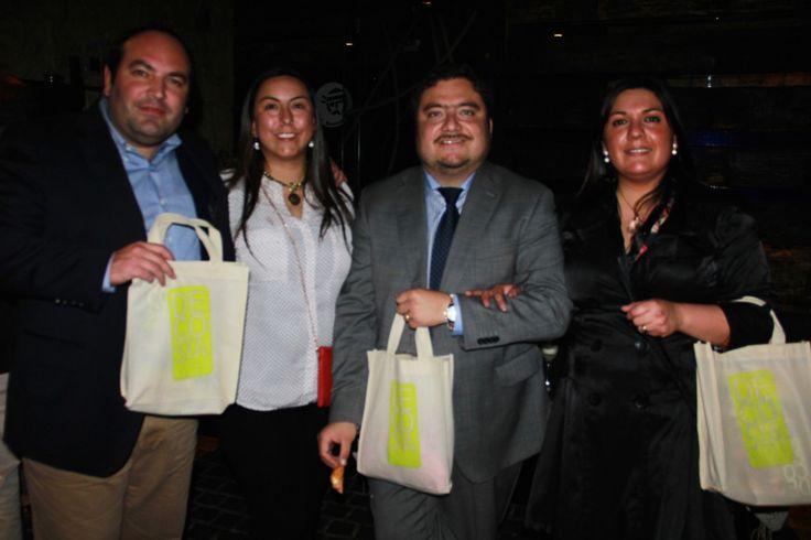 Patricio Varas – Daniella Malvino – Sebastián Astuya – Marcia Marchant See more at: http://www.decosta.cl/paginas-sociales/lanzamiento-decosta/#sthash.1kgk7v1w.dpuf