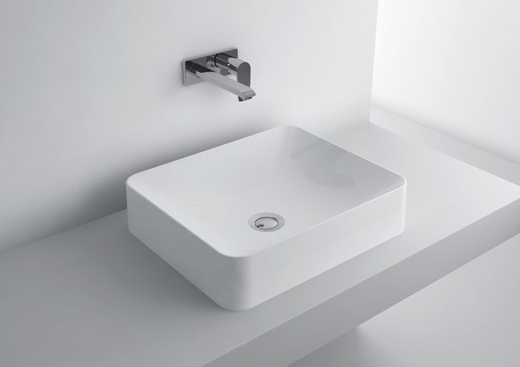 Marmite constantly follows the latest trends in bathroom design. Using advanced technology and unlimited possibilities from cast marble, we design modern washbasins that surprise with their minimalist form. Among our newest products you can find original square and oval wash basins with rounded and extremely high edges.  http://www.marmite.eu/pl/produkt/780/show/um-octavia-450c/