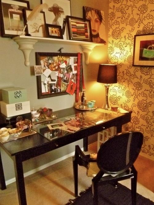office/dressing room