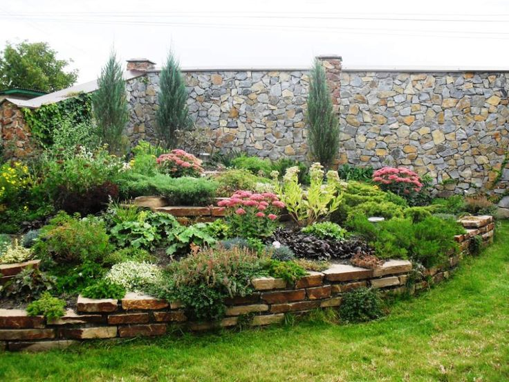 Corner Space Garden And Landscaping Design.