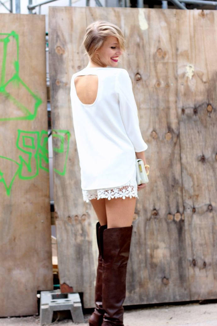 Open-back dress:BUSY(similar here,here), lace hot pants:Zara(similar here,here), over the knee boots:Zara(similar here, here), clutch:&otherStories(similar here,here), huge bracelet:&otherStories(similar here), rings:&otherStories(similar here) Looking at today's...
