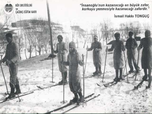 Köy enstitüsü öğrencileri