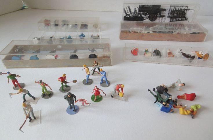Lor of 51 Miniature Ho Figures, Cows,  Horse, Baggage Wagon Kit Merton/Preiser #MixedLot