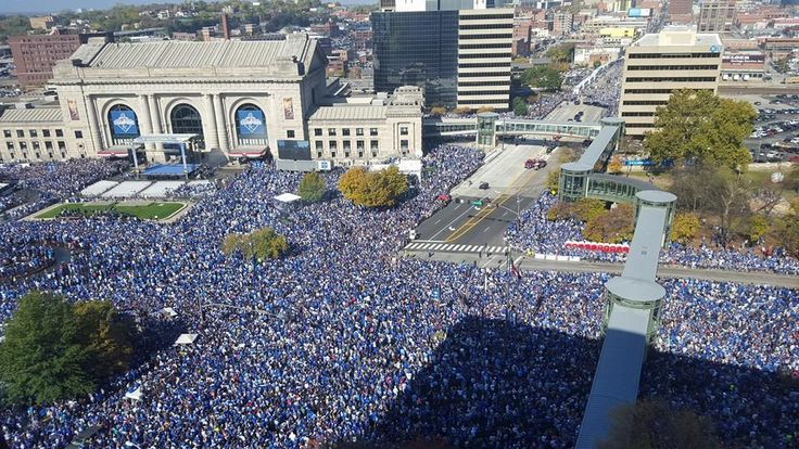 800,000 at the 2015 World Series Parade and Celebration - Union Station - Kansas City, MO