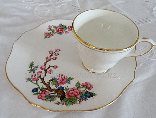 Colclough Tennis set. Lovely spacious plate with a spot for the cup to sit on. 3 available for hire