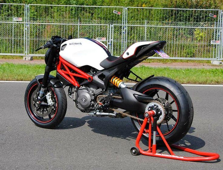 IL DUCATISTA: Ducati Monster 1100 Evo by WalzWerk-Racing (Marcus Walz).