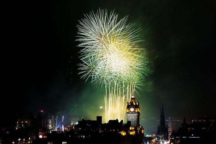 Edinburgh Hogmanay Fireworks 2015